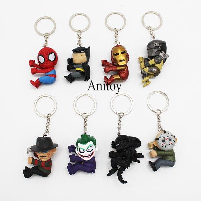 8 pçs/set Chaveiros Super-heróis Q Versão Do Homem Aranha Batman Joker Predadores Alienígenas Freddy Jason Figura de Ação DO PVC Brinquedos Bonecas 4- 6 cm