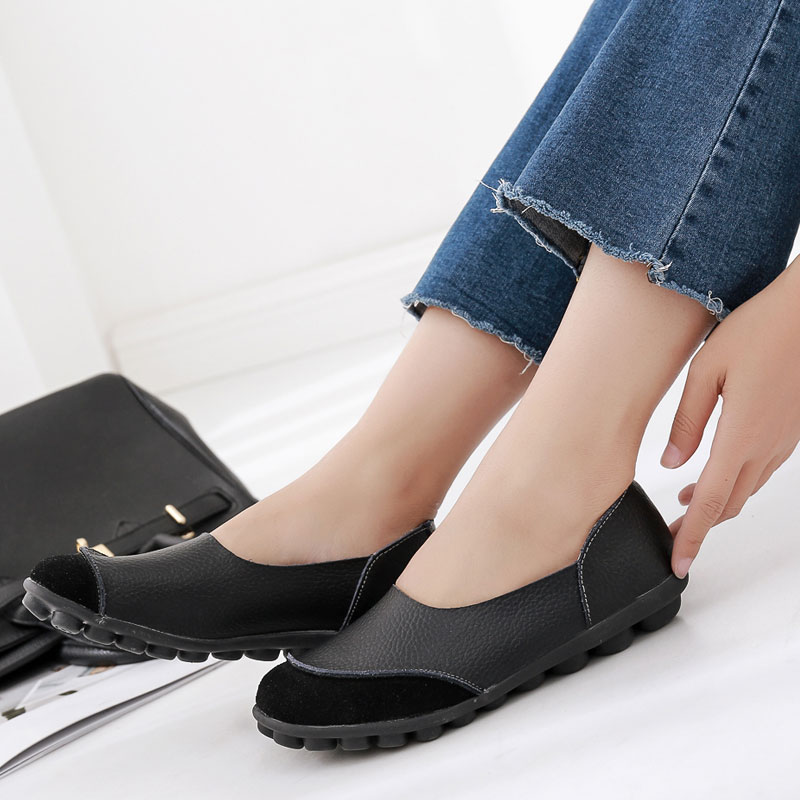 все цены на Casual Women Flats Genuine Leather Slip-on Summer Flat Women loafers Moccasins Comfortable black boat shoes Ballet Female HBT702