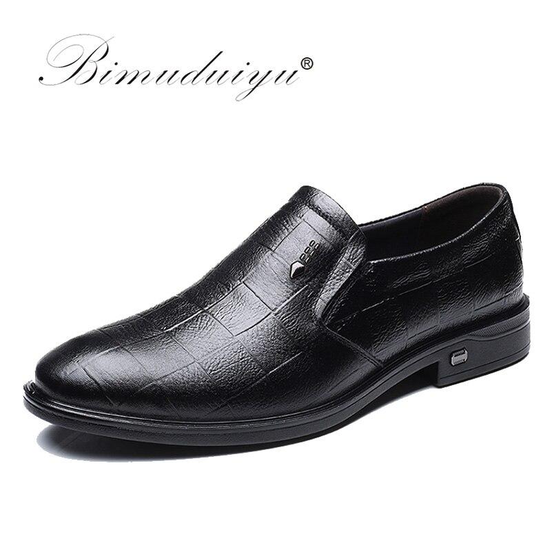 BIMUDUIYU Véritable En Cuir Chaussures Hommes Slip-on Noir/Brun Oxford Chaussures D'affaires Décontractée Chaussures Mocassins Respirant Appartements Chaussures hommes