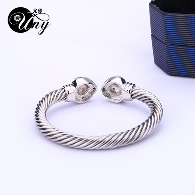 UNY Bangle Love Heart Twisted Wire Bracelet Free Ship Bangle ...