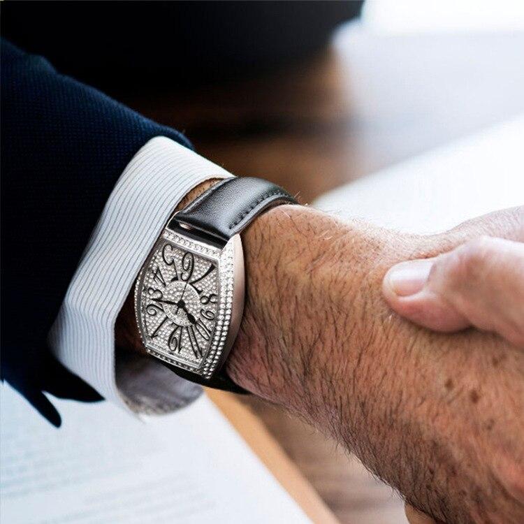 2019 Men's Quartz Watch Fashion Retro Waterproof Leather Watchband Business Zircon Stone Barrel Irregularity Watch G8200A
