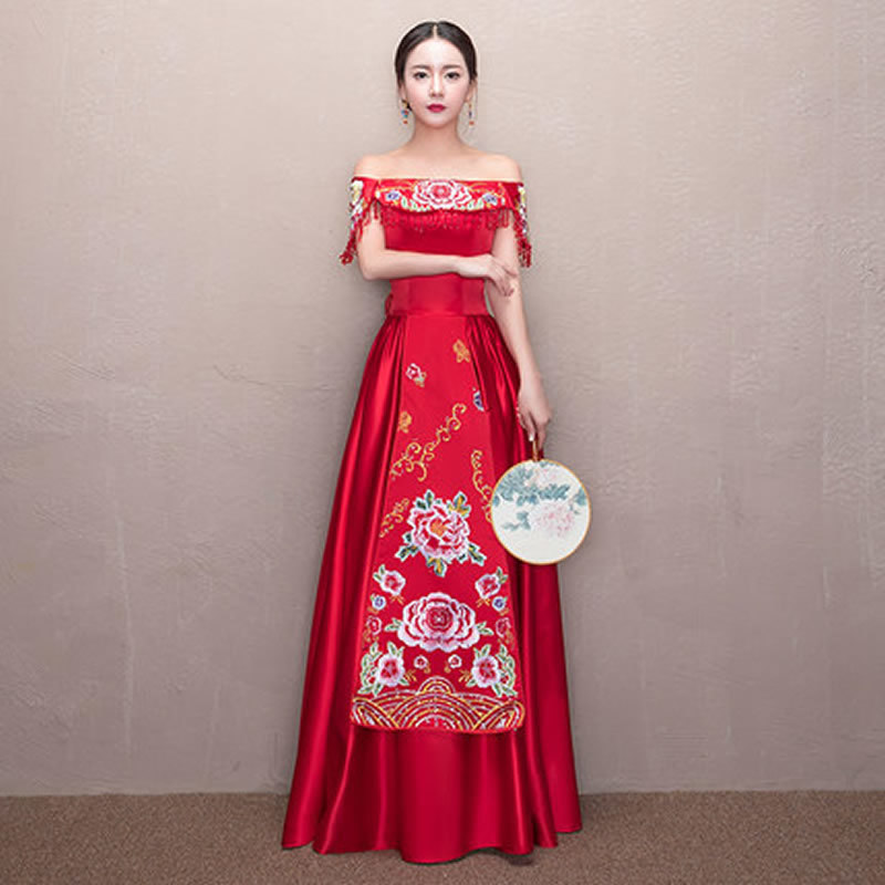 Red Embroidery Long Cheongsam Dress One Shoulder Wedding Qipao Chinese  Traditional Oriental Style Dresses Woman Vestido Qi Pao-in Cheongsams from  Novelty . cccd20dda82a