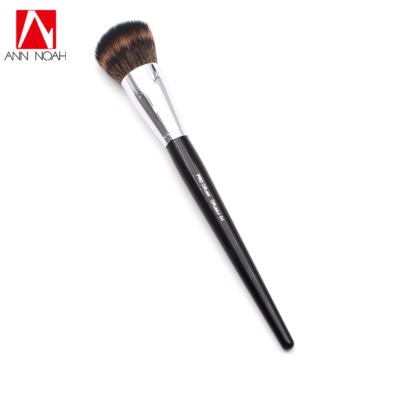 Long Wood Handle Synthetic Soft Fiber 64 Pro Angled Diffuser Makeup Brushes