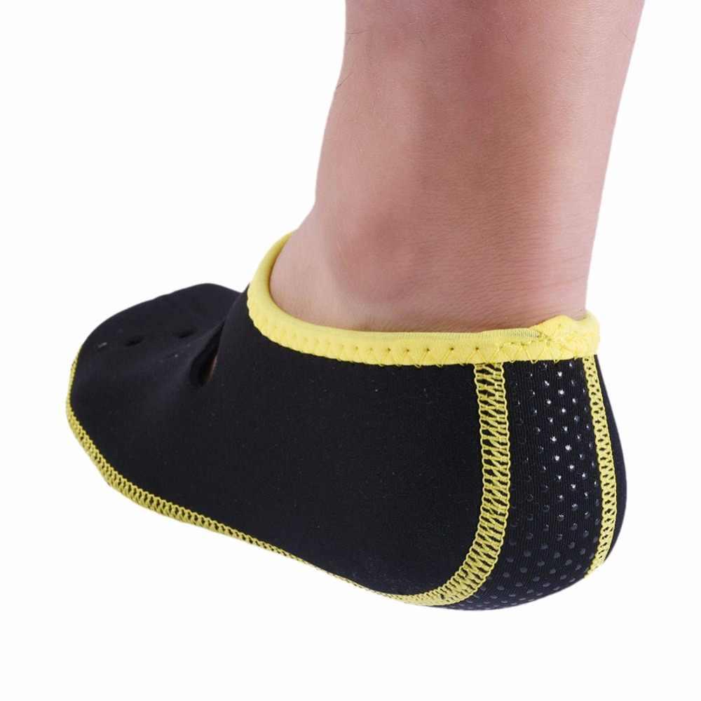 Neopren Kısa Plaj Çorap Yüzgeçleri Flippers kaymaz Anti Patinaj Tüplü Dalış Botları Dalış Wetsuit Ev Ayakkabı spor çorapları
