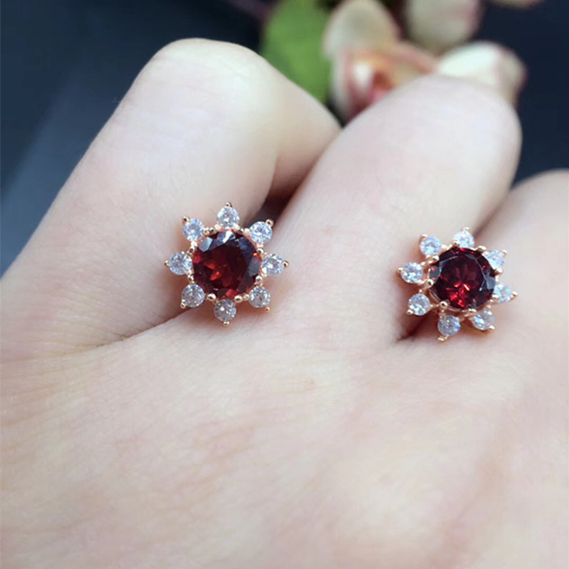 Free shipping Perfect Jewelry natural and real garnet 5mm*5mm 925 sterling silver Free shipping Perfect Jewelry natural and real garnet 5mm*5mm 925 sterling silver