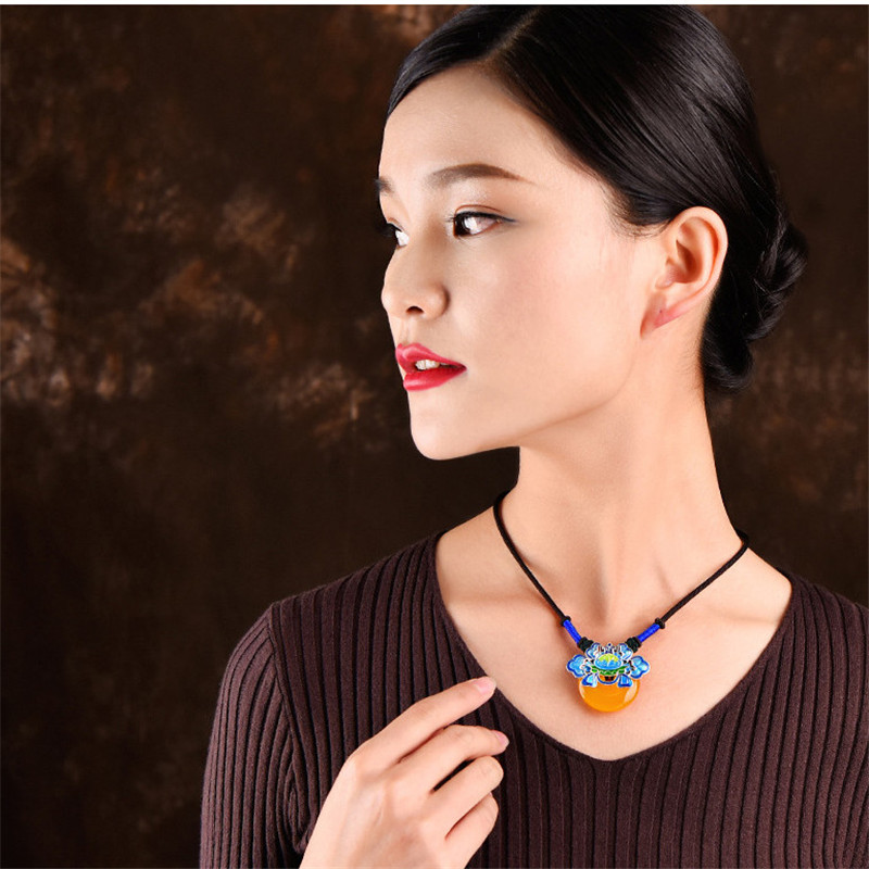 women necklace new arrival short yellow pendant beautiful vintage jewelry accessories chokers sweater necklaces gift XL232