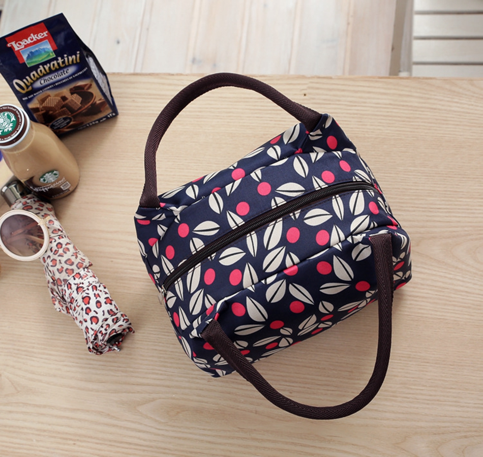 804b29b6ab83 Leisure Cute Animal Hello Kitty Lunch Bag Girl Portable Insulated Cooler  Bags Thermal Food Picnic Bags Women Kids Lunch Box Tote-in Lunch Bags from  Luggage ...