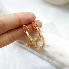 Fashion unique metal earrings, simple geometric shape earrings delicate girl fashion wholesale jewelry