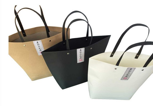 150gsm Paper Gift Bags With Handle For Food Garment Packaging Christmas Gift Bag