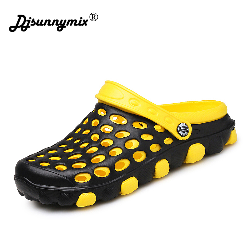 DJSUNNYMIX Brand Hot New 2018 Summer Men Sandals Fashion Hollow Out Breathable Beach Slippers Flip Flops EVA Massage Slippers ботинки swims ботинки без каблука