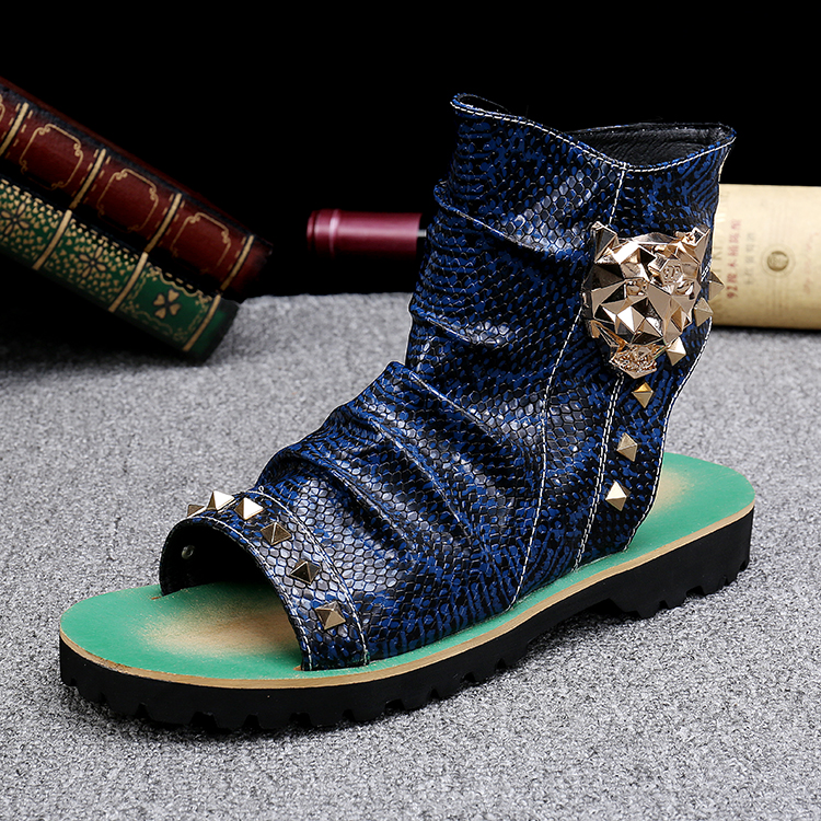 New Ankle Wrap Beach Men Shoes Fashion Designer Rivets Open Toe Men Gladiator Leather Sandals Gold Tiger Metal Decoration Flats
