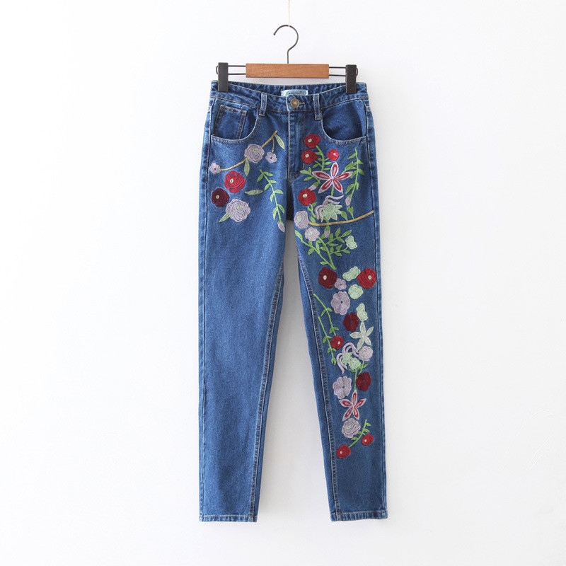 NEW Elegant Flower Embroidery Jeans Women Denim Blue Casual Pants Capris Spring Summer Pockets Straight Jeans Women Bottom C3087 2017 spring new women sweet floral embroidery pastoralism denim jeans pockets ankle length pants ladies casual trouse top118