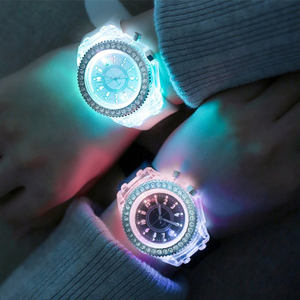 LED Flash Luminous Watches Personality Trends Students Lovers Jellies Woman Men's Watches 7 Colors Light Wrist Watch 2019 Hot