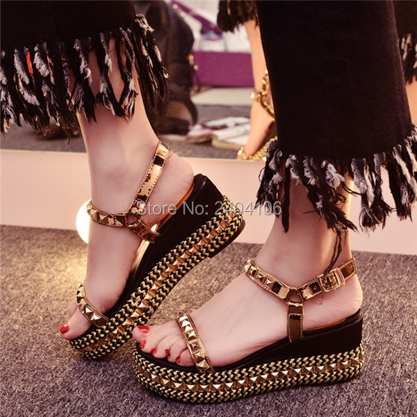Big Size 33-43 Summer Spiked Wedges Sandalias Mujer Casual Platform Shoes Woman Rivets Studded Wedge Sandals Gold Silver Black 32 43 big size summer woman platform sandals fashion women soft leather casual silver gold gladiator wedges women shoes h19