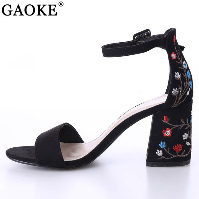 2018 Sexy women sandals open toe embroidery heels classic buckle strap  platform woman sandals gladiator shoes eef25b7daf