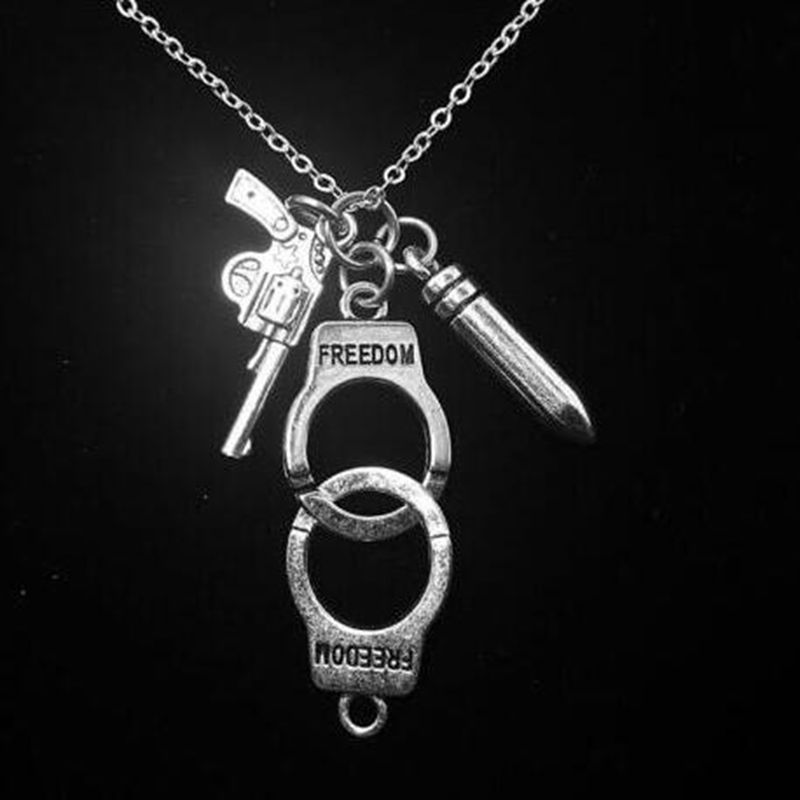 Policía esposas pistola de bala COLLAR COLGANTE para las mujeres hombres Steampunk del amante Collares gargantilla declaración joyería regalo Accesorios