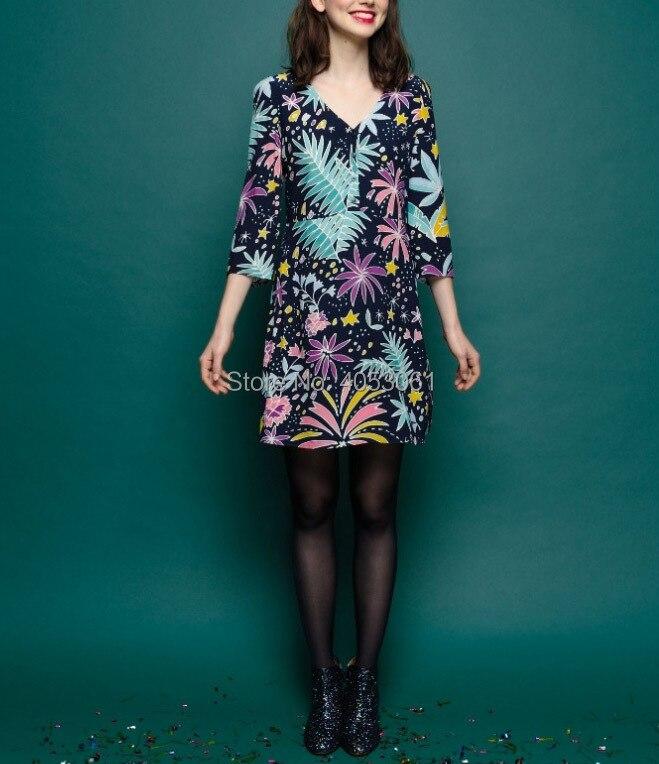 Viscose 100% imprimé Floral col en V courte Mini robe avec manches au coude 2019 femmes élégant robe courte-in Robes from Mode Femme et Accessoires    1