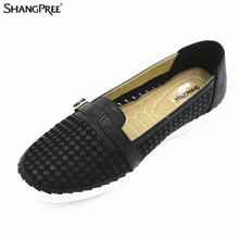 2017 New mother shoes Summer Leather Women Flats Buckle Decoration Breathable Women's Shoes Fashion Women's Peas Shoes