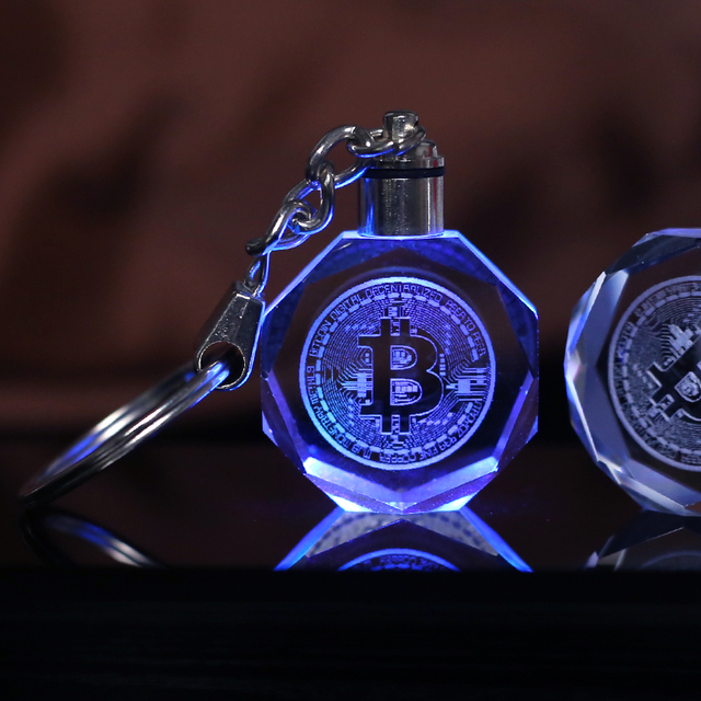 Crystal Bitcoin Keychain Laser Engraved Car Key Ring Colorful LED Light Key Chain Hanging Pendant Home Decoration Gift Souvenir