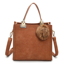2017New Angekommen Mode Frauen Handtasche Ball Anhänger Dekoration Umhängetasche Einfache Kleine Quadratische Tasche Retro Umhängetasche für Frauen