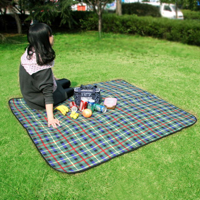 150 135cm Portable Folding Waterproof Picnic Mat Camping