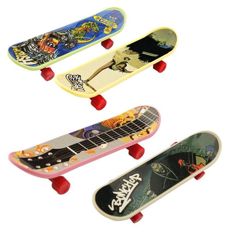 1 Stücke Heißer Hohe Qualität Kreative Neuheit Nette Mini Kinder Spielzeug Skateboard Athletisch Finger Skateboard Geschenke Für Die Kinder