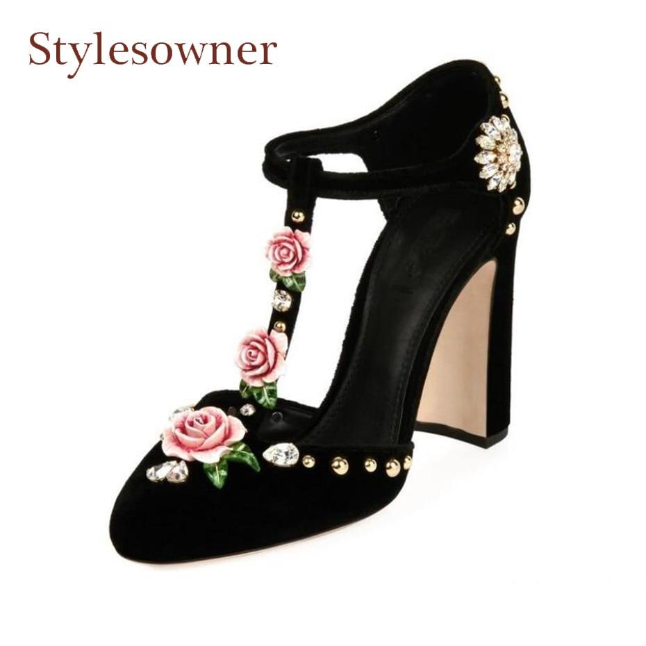 432a6351ae6c1 US $81.9 35% OFF|Stylewowner frühjahr neue high heel roune toe pumps frauen  3D rose blumen mit luxus diamant niet dekor T band runway schuh in ...