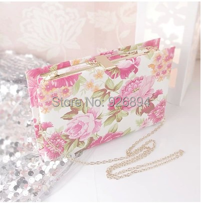 New 2016 European and American fashion retro cute floral women's handbags book day clutch evening bag free shipping party chain free shipping new tassel rhinestone evening bag clutch bag super cute mini sachet 7247 02