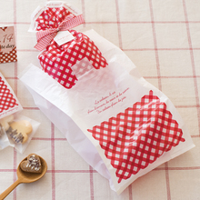 100pcs lot size 18 35cm 7 14 red Burberry Shopping plastic Bag with handle fashion plastic