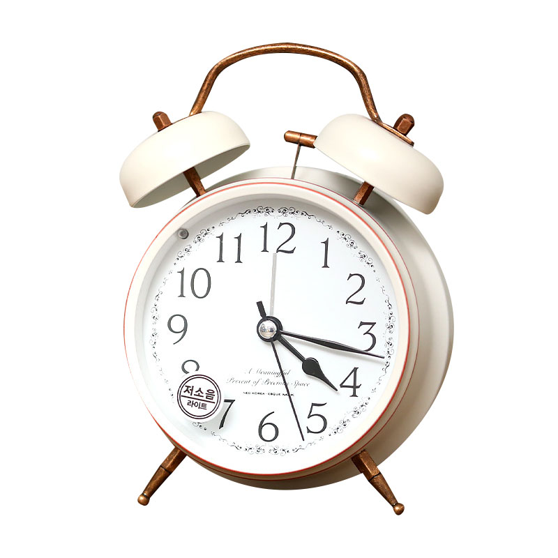 Handicraft Vintage Alarm Clock European Style Retro Wrought Iron Craft Table Clock Home Decoration Bronze Gold Mute Table Clock
