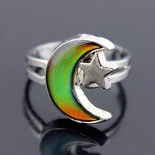 Joyería de moda luna y estrella forma cambio de Color del anillo de humor  emoción sentimiento cambiable banda ajustable 66e189d26e9