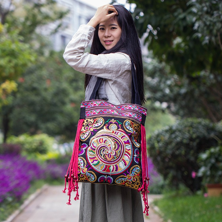 Price-promotion bag!2015 new national trend embroidered bags handmade flower embroidery ethnic clothshoulder bag handbags Сумка