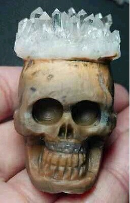 Amazing natural Hand Carved Crystal Cluster skull crystal skull Healing