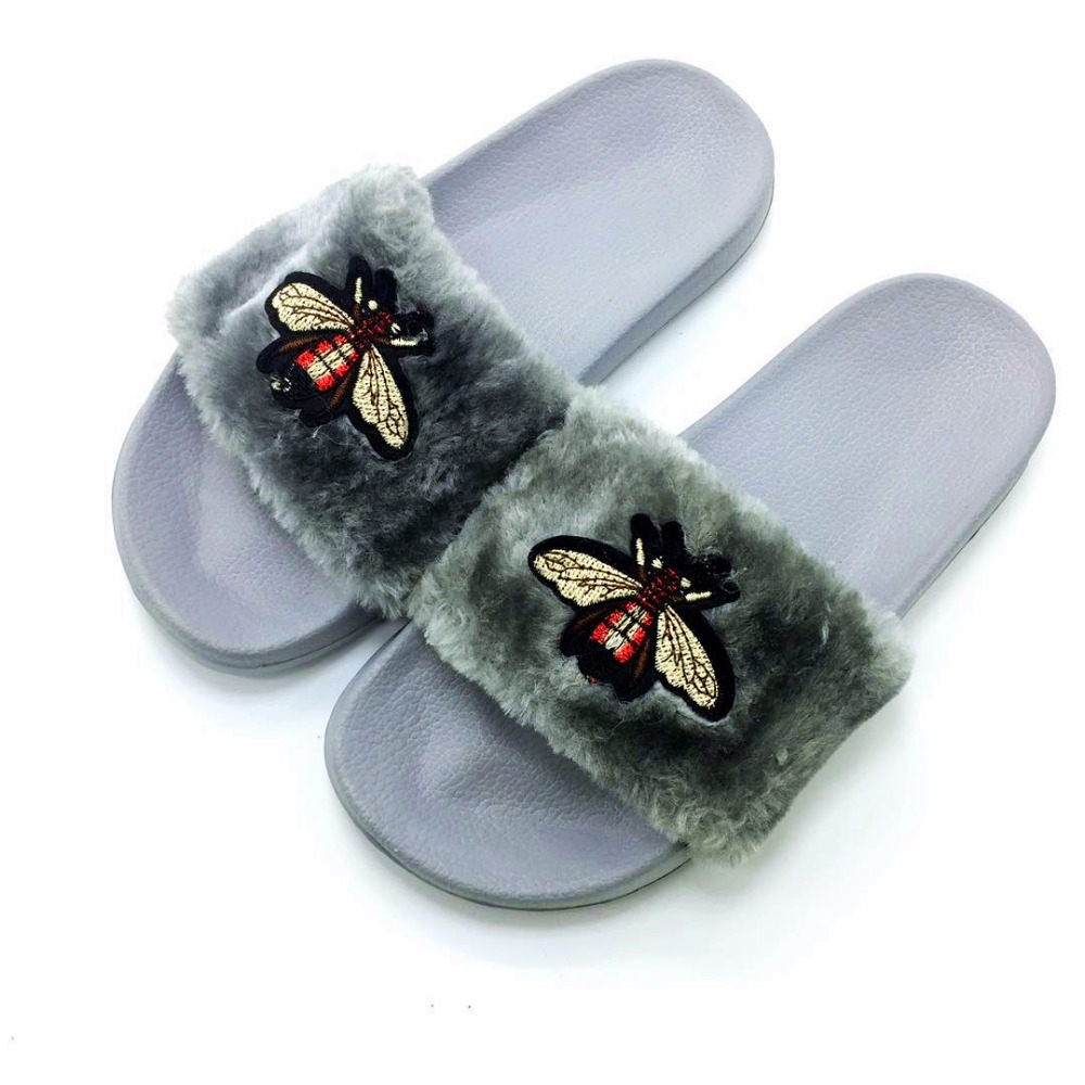 AoXunLong New Bee Slippers Womens Slides Moda Furry Red Home Slippers - Zapatos de mujer - foto 4