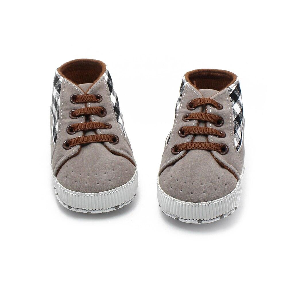 Nouvelles baskets Design pour bébé garçon chaussures antidérapantes à lacets bébé chaussures doux Sloe premiers marcheurs rayures vérifie bébé baskets