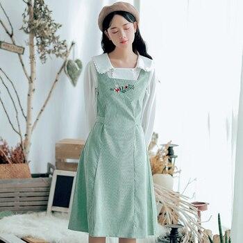 Japan Style Mori Girl Vintage Sundress 2018 New Autumn Winter Women Sleeveless Flower Embroidery Corduroy Dresses girl
