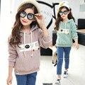 Девушки пальто 2016 новых осень и зима весна повседневная с капюшоном толщиной с длинными рукавами свитер ребенка детская одежда 3-8-13 лет дети