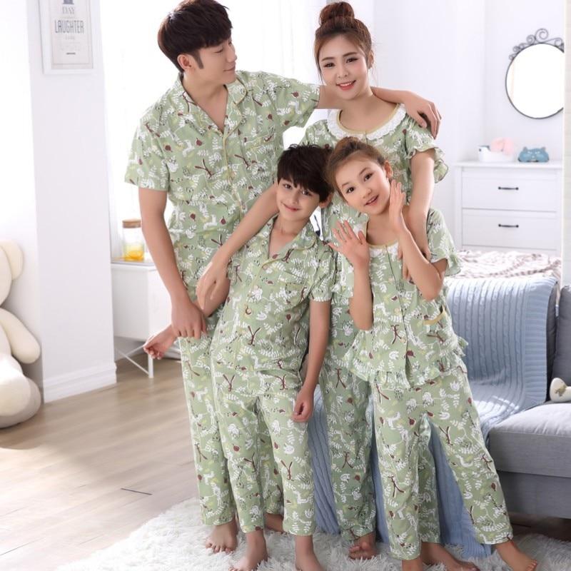 Одежда для матери и дочери для маленьких девочек Летние пижамы комплект Семейные комплекты Пижама папы и сына рубашка + Штаны мама Одежда дл... ...