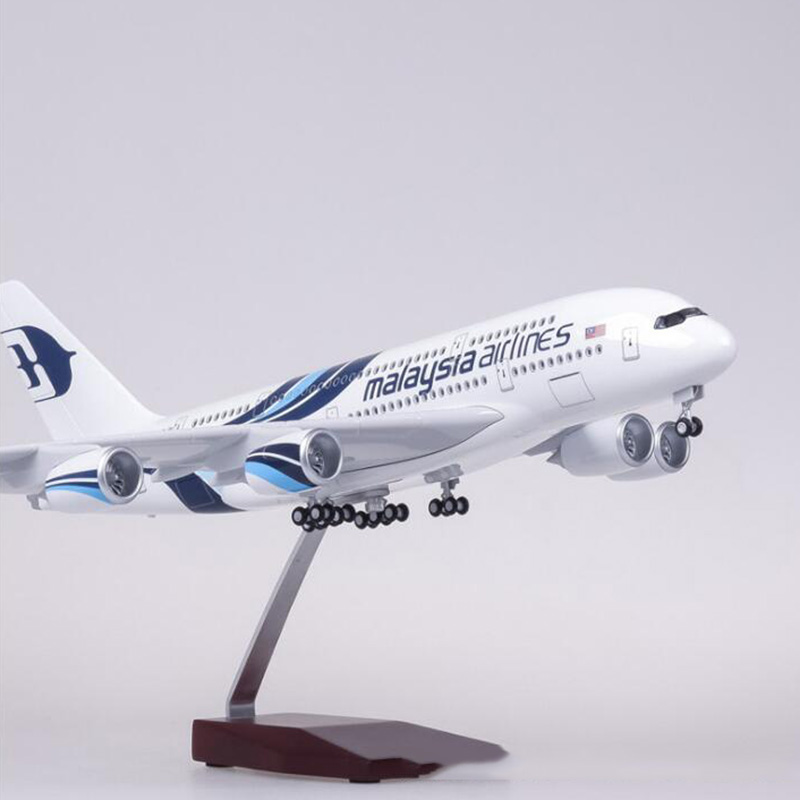 45 5CM 1 160 Scale Airplane Airbus A380 Malaysia Airline Model W Light and Wheel Diecast