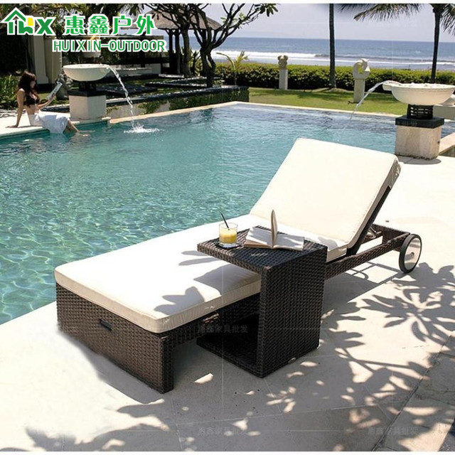 Merveilleux Outdoor Furniture Lying Bed Villa With Swimming Pool Terrace Chaise Lounge  Chairs By The Sea Beach