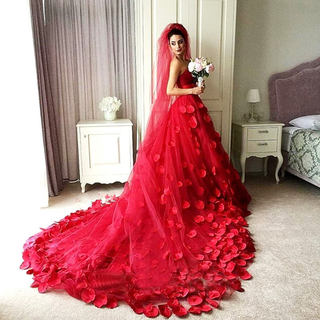 Vintage Red Color A Line Wedding Dress 2017 Sweetheart Court Train ...