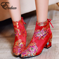Китайский стиль невесты обувь Мода Сапоги Женщины Толстый высокие Каблуки цветы Обувь Ботильоны свадебная обувь размер 32-43