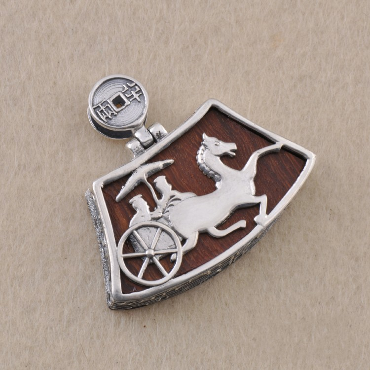 S925 silver ebony inlaid with silver pendant carriage lock retro personality silver s925 sterling silver pendant silver peace personality retro gossip with evil spirits to pendant