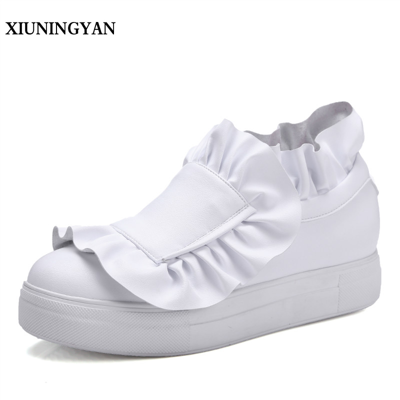 XIUNINGYAN 2018 New Fashion Ruffles Genuine Leather Women Flats Casual Shoes Womens Loafers Slip on Flat Female Walking Shoes