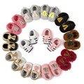 12 Стили 2016 Новая Мода Замши PU Кожа Младенца Малыша новорожденный Ребенок Девочка Мальчик Первые Ходоки Детская Кровать В Мокасины Мягкие Moccs обувь