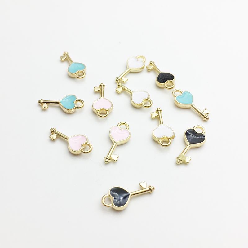 30pcs/lot New Heart Shape Key Enamel Pendant Carousel Charms for DIY Bracelet Necklace(China)