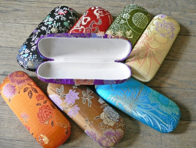 cd81a4d70652 Women Glasses Storage Box Wedding Party Favor Silk Brocade Hard Eyeglass  Case 10pcs lot