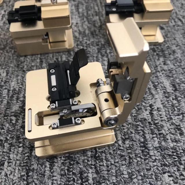 High Precision DVP 106 Fiber Optic Cleaver DVP106 Optical Fiber Cleaver for Welding Fusion Splicer Machine