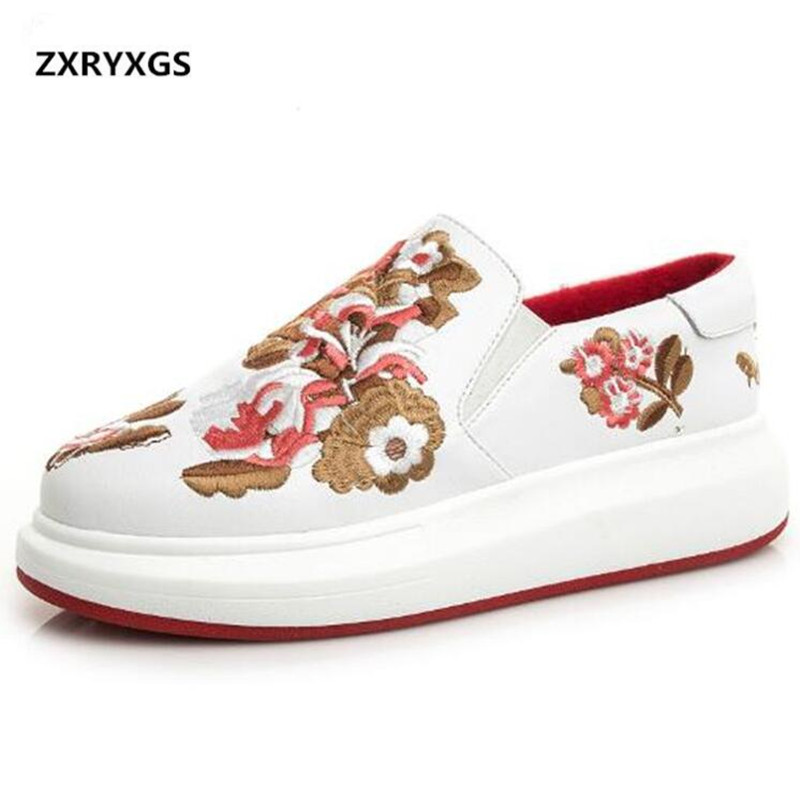2019 New Spring Embroidered Genuine Leather Shoes Woman Fashion Casual Shoes Spell Colors Women Sneakers Casual