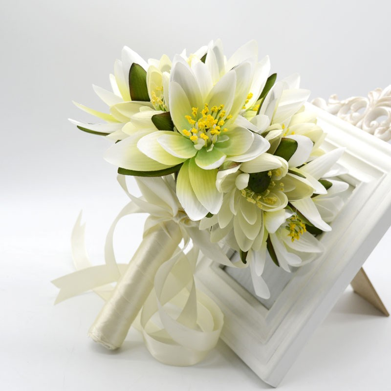 New Arrived Fashion Handmade Simulation Lotus Holding Flower Bride Bouquet Wedding Accessories Made In China Bouquets From
